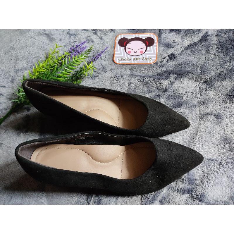 รองเท้าคัชชูผู้หญิง สีดำ สภาพใหม่ ยาว 22.5