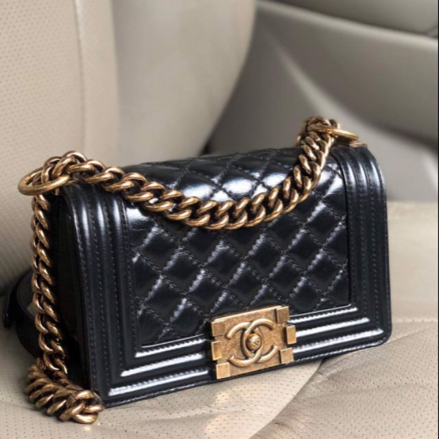 แท้】Used in good condition Chanel Boy8 black calfskin GHW HL17XXXXXXX comes box card and dust bag price : 79,999฿