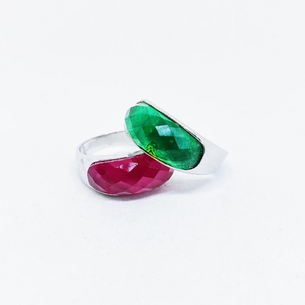 แหวนพลอยสี มุมโค้ง เสริมบารมี ประจำวันเกิด ชุบทองคำขาว ราคาพิเศษ