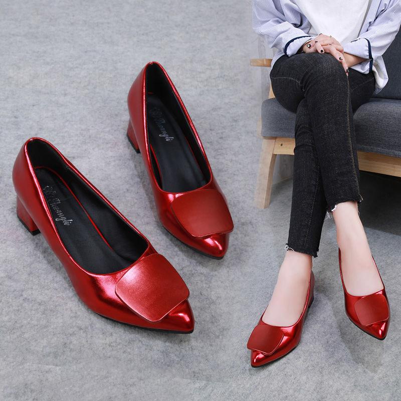 รองเท้าคัชชูหัวแหลม รองเท้าเดียวหญิงสีดำทำงานรองเท้าส้นสูงนักเรียนหญิงฤดูใบไม้ผลิและฤดูใบไม้ร่วงใหม่ปากตื้นชี้หนากับรองเ
