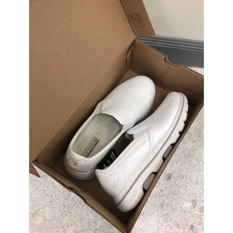 ขายแล้วค่ะ Sold out --- Skechers Go walk5-convince สีขาว size 7.5 us (ผู้ชาย)