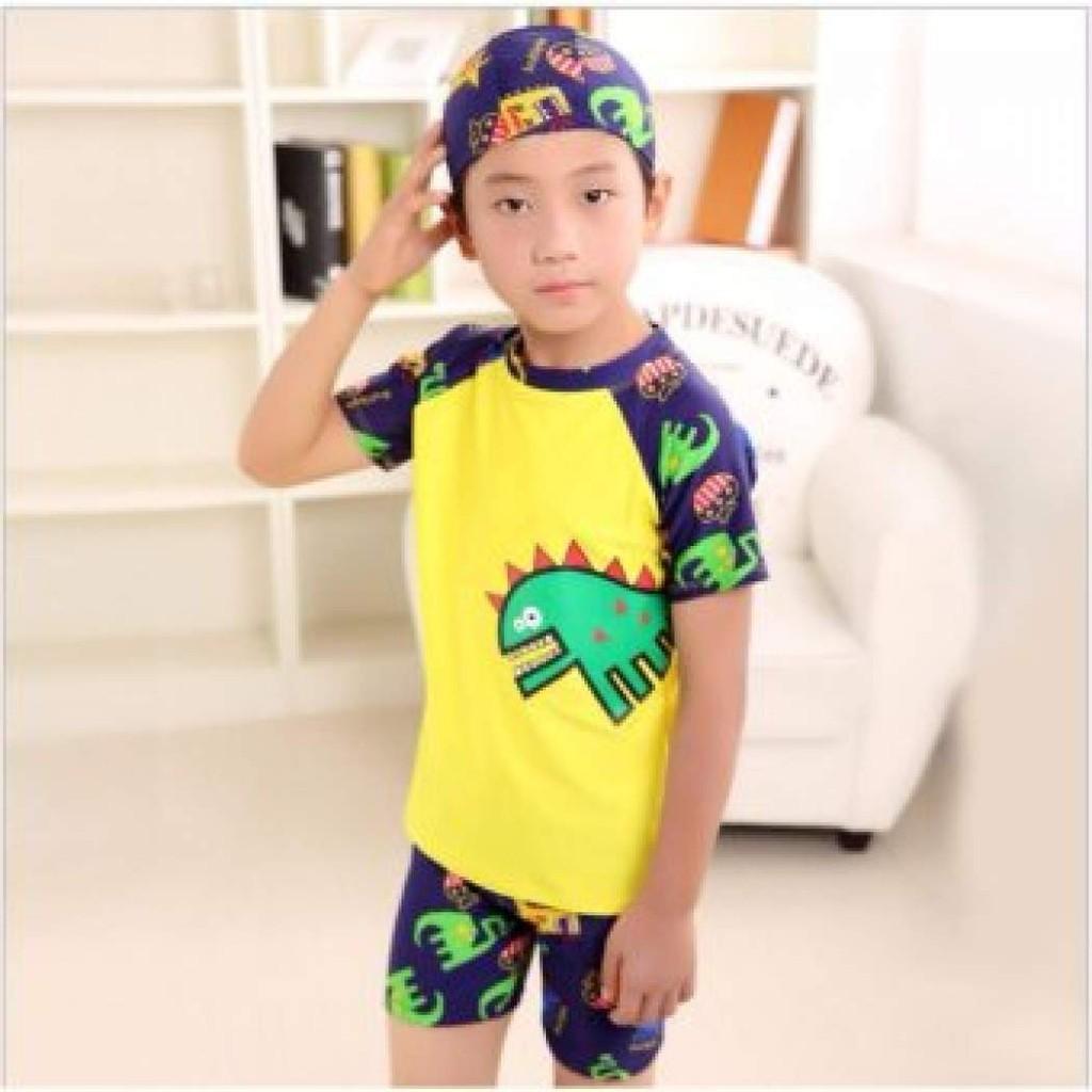CLDZ CYชุดว่ายน้ำเด็กผู้ชาย เนื้อผ้านิ่มใส่สบาย ลายไดโนเสาร์ แถมฟรี Kirei Kirei เจลล้างมือคิเรอิ 50 มล. ชุดว่ายน้ำแฟชั่น