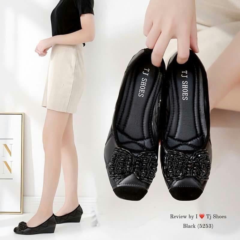 Shoess.shop รองเท้าแฟชั่นผู้หญิง คัชชูเพื่อสุขภาพ 5253 สีดำ