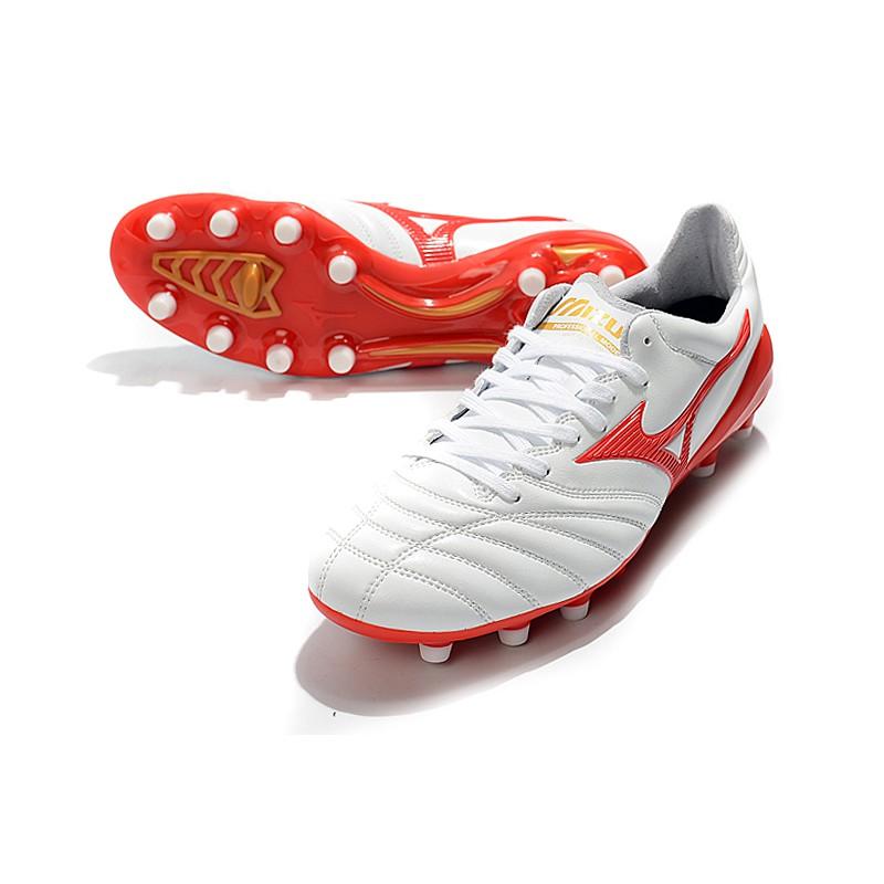 Mizuno MoreliaNeo II ผลิตในรองเท้าฟุตบอล FG ของญี่ปุ่น