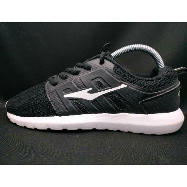 รองเท้า ERKE รองเท้าวิ่งสำหรับออกกำลังกาย รองเท้ามือสอง ราคาถูก จัดส่งด้วย Kerry