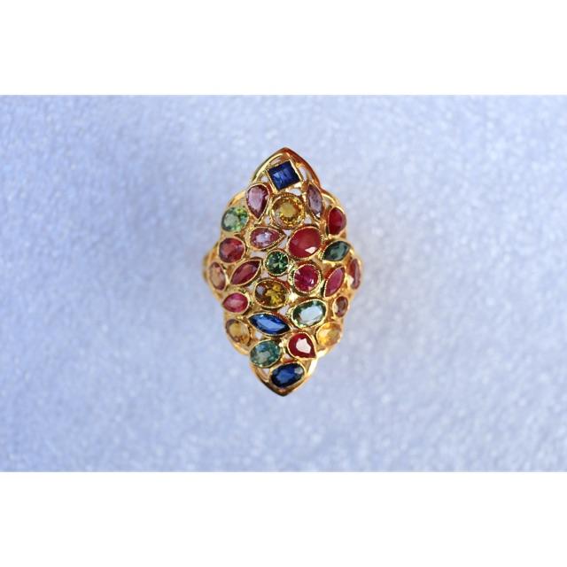 แหวนพลอยแฟนซี 27 เม็ด น้ำหนักรวม 7.3 กรัม 💰💰💰ราคา14,700บาท💰💰💰  ทองหนัก 7.17 กรัม พลอยหนัก 5 กะรัต A26197