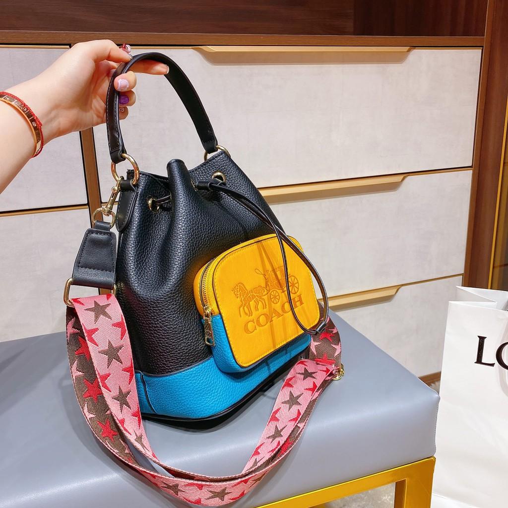 กระเป๋าสะพายข้างผู้หญิง COACH / Coach กระเป๋าสะพายข้างผู้หญิงสไตล์ใหม่ Wandering Bucket Bag Portable