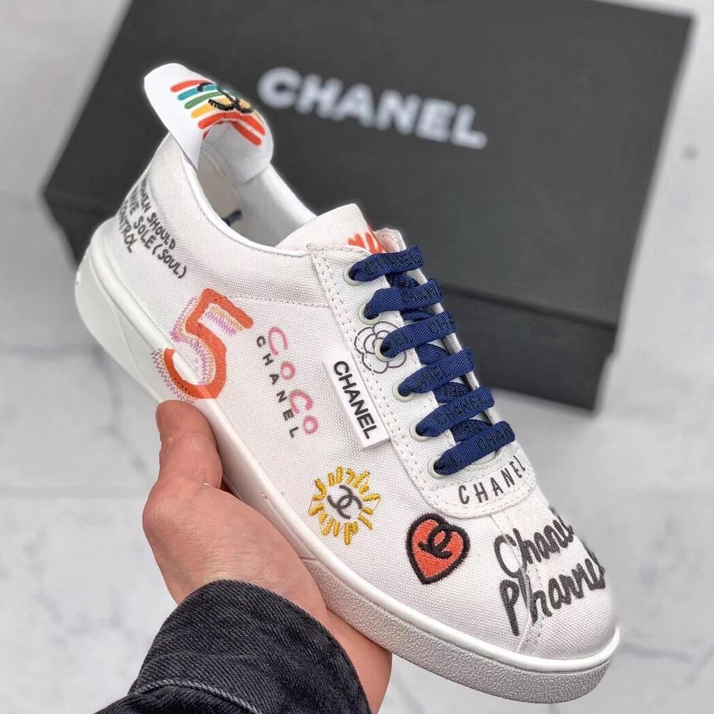Chanel X Pharrell 19 Ss รองเท้าผ้าใบลําลองรองเท้าผ้าใบ