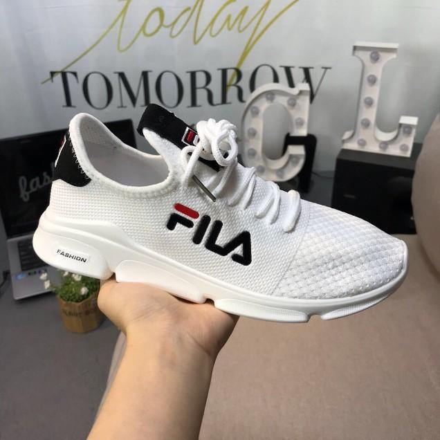 รองเท้าผ้าใบ Fila รองเท้าผู้ชายรองเท้าวิ่งแฟชั่นเกาหลีระบายอากาศได้แสงรองเท้าวิ่ง no.99951