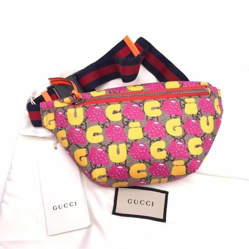 gucci belt bag strawberry