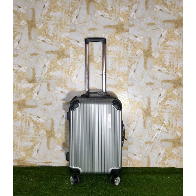 กระเป๋าเดินทางขนาด 20 นิ้ว กระเป๋าเดินทางล้อลาก