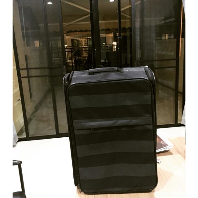 กระเป๋าเดินทางBossini