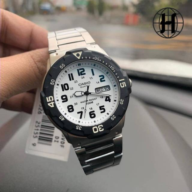 Casio Divers 200wh นาฬิกาข้อมือสายสแตนเลส