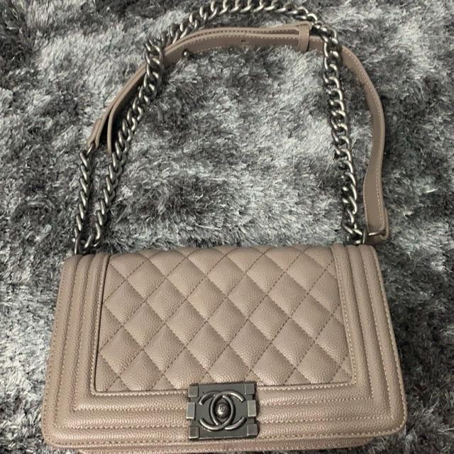 กระเป๋า Chanel boy (ชาแนล)