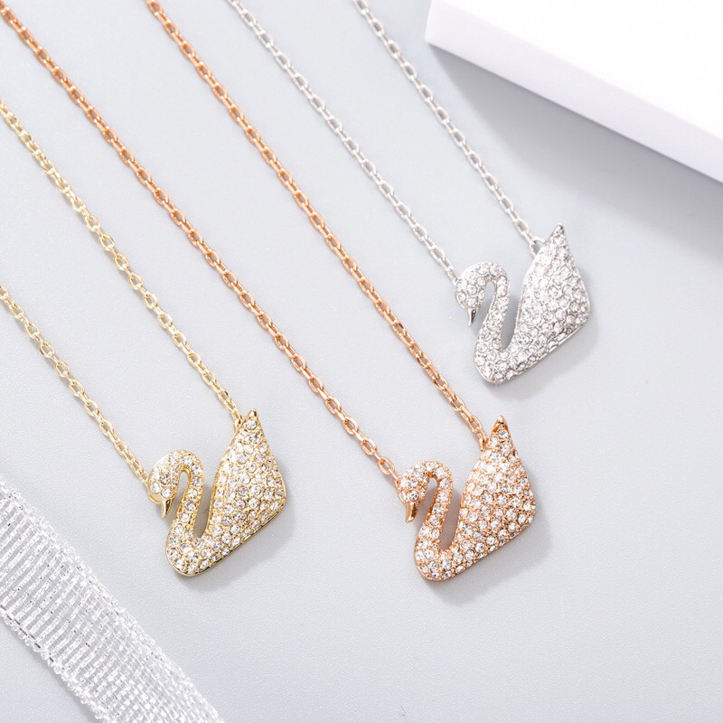 🔥พร้อมส่ง🔥鹅Swarovskiแท้ สร้อย swarovski ของแท้ ของแท้ 100% สร้อยคอจี้หงส์ swarovski necklace แท้ Swarovski Classi