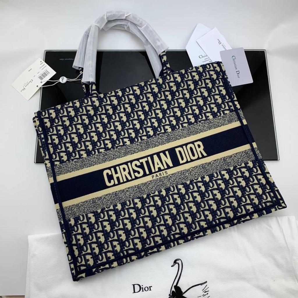 DIOR BOOK TOTE DIOR OBLIQUE BAG กระเป๋าถือ คริสเตียน ดิออร์ แฟชั่นผู้หญิง แบรนด์เนม ผ้าแคนวาส ลายโลโก้ โมโนแกรม