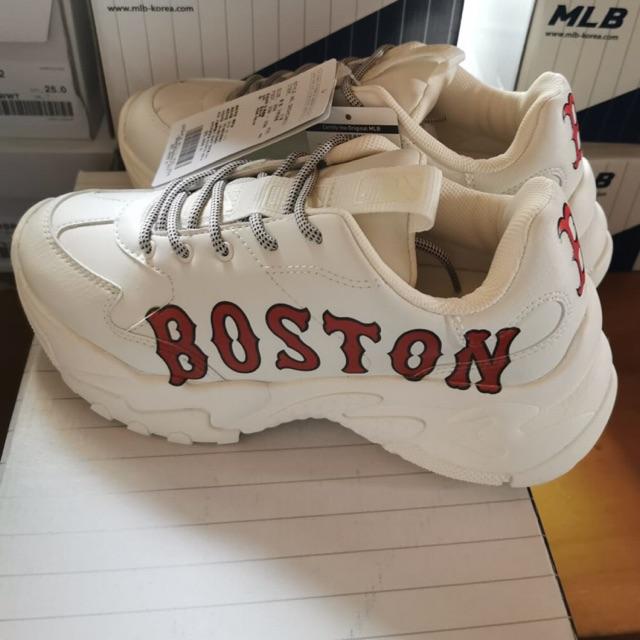 รองเท้าผ้าใบ MLB Boston