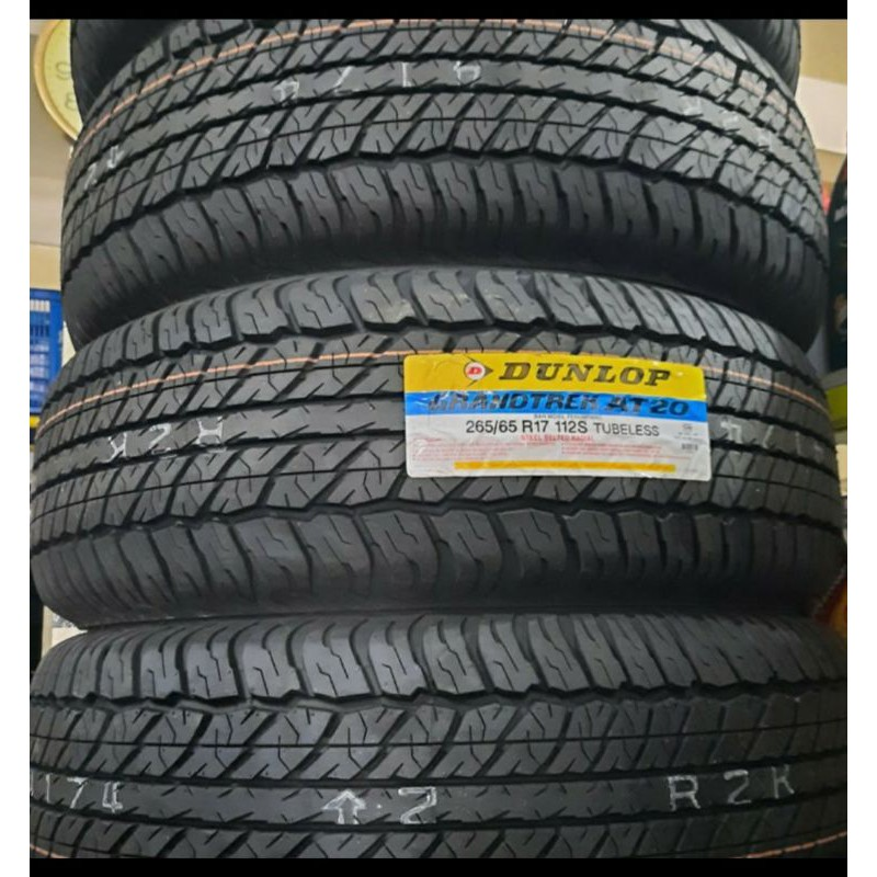 ยางรถยนต์ Grandtrek Dunlop Tires At20 265 / 65 / R17 สําหรับตกแต่งบ้าน