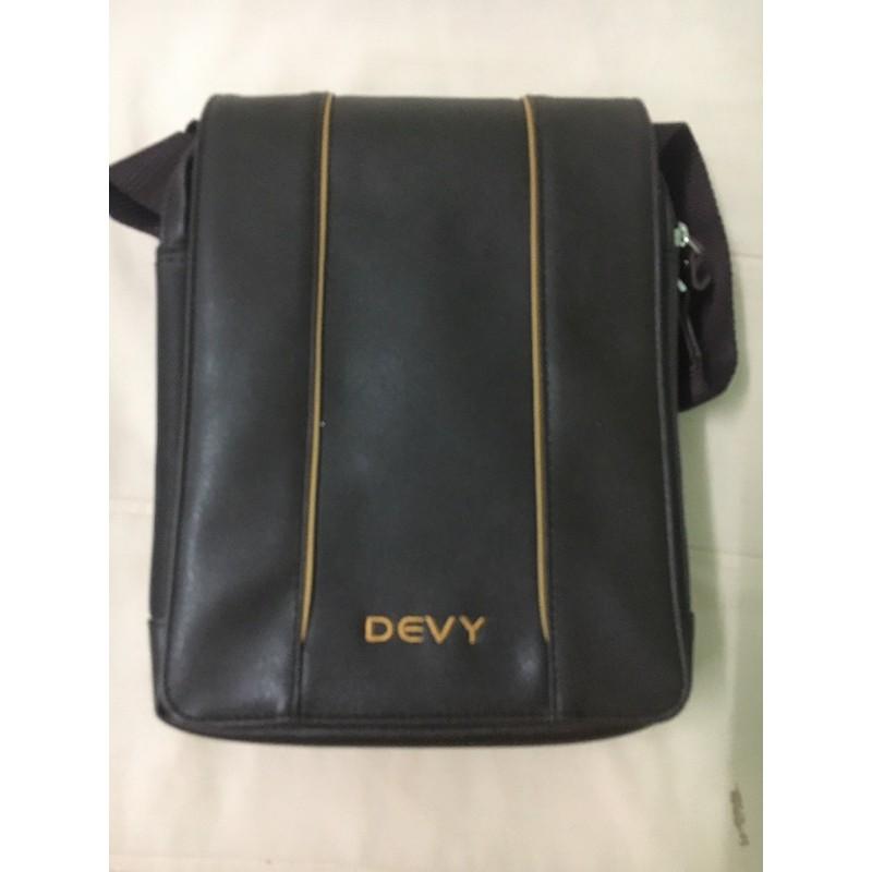 กระเป๋าสะพายผู้ชาย DEVY