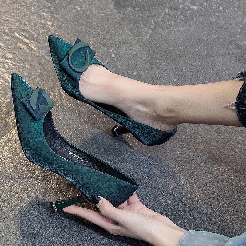 รองเท้าส้นสูง หัวแหลม ส้นเข็ม ใส่สบาย New Fshion รองเท้าคัชชูหัวแหลม  รองเท้าแฟชั่นรองเท้าผู้หญิงฤดูใบไม้ร่วงใหม่ทั้งหมด