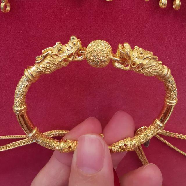 #ซื้อเฮงใส่ดี กำไลทอง96.5%  น้ำหนัก  2 บาท รอบแขน 17-18cm ใส่ได้ ราคา 60,500บาท