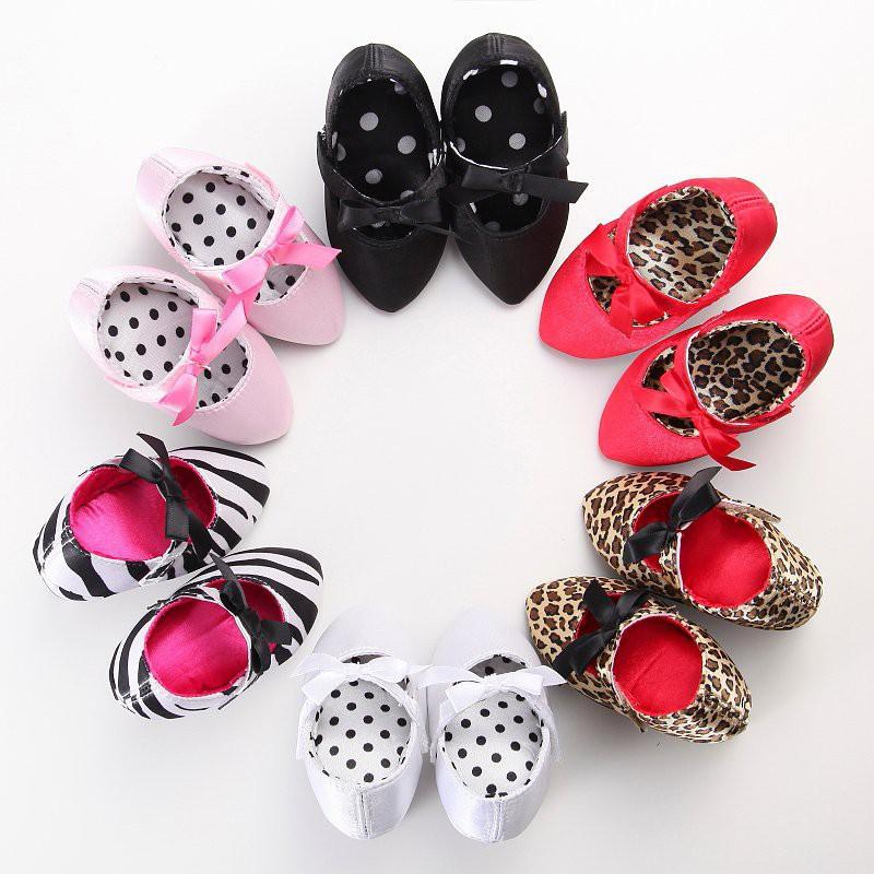 รองเท้าหัวแหลม รองเท้ามีส้น รองเท้าคัชชู IU รองเท้ามีส้น สำหรับเด็กผู้หญิง