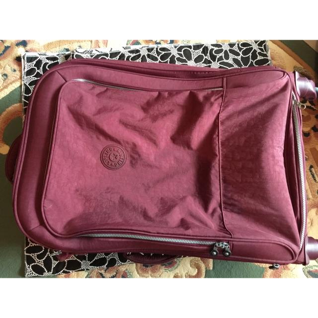 กระเป๋าเดินทางใบใหญ่ Kipling