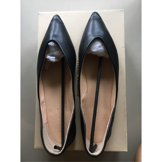 รองเท้าหนังคัชชูผู้หญิง