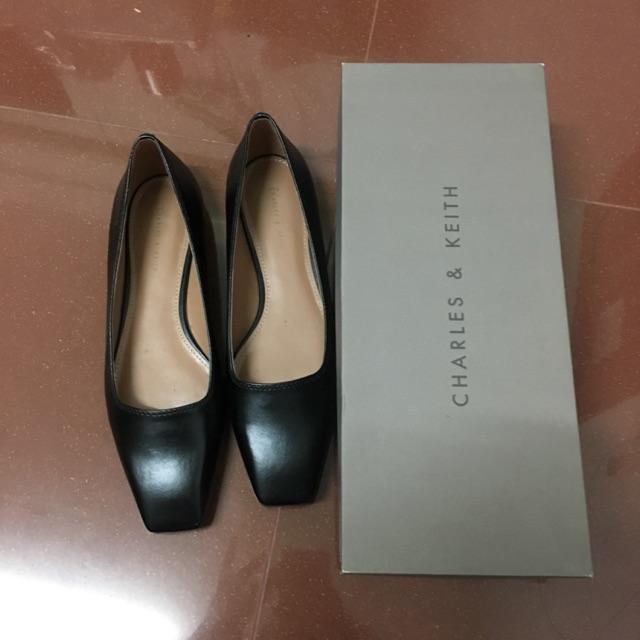 ❗️SALE❗️700 ส่งต่อรองเท้าคัชชูสีดำ