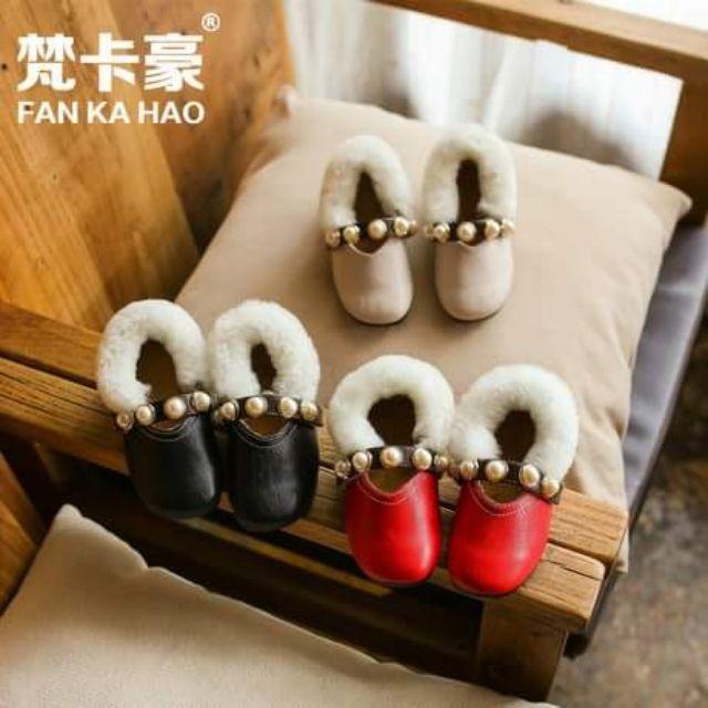 รองเท้าเด็กแบบคัชชูแต่งขนเฟอร์