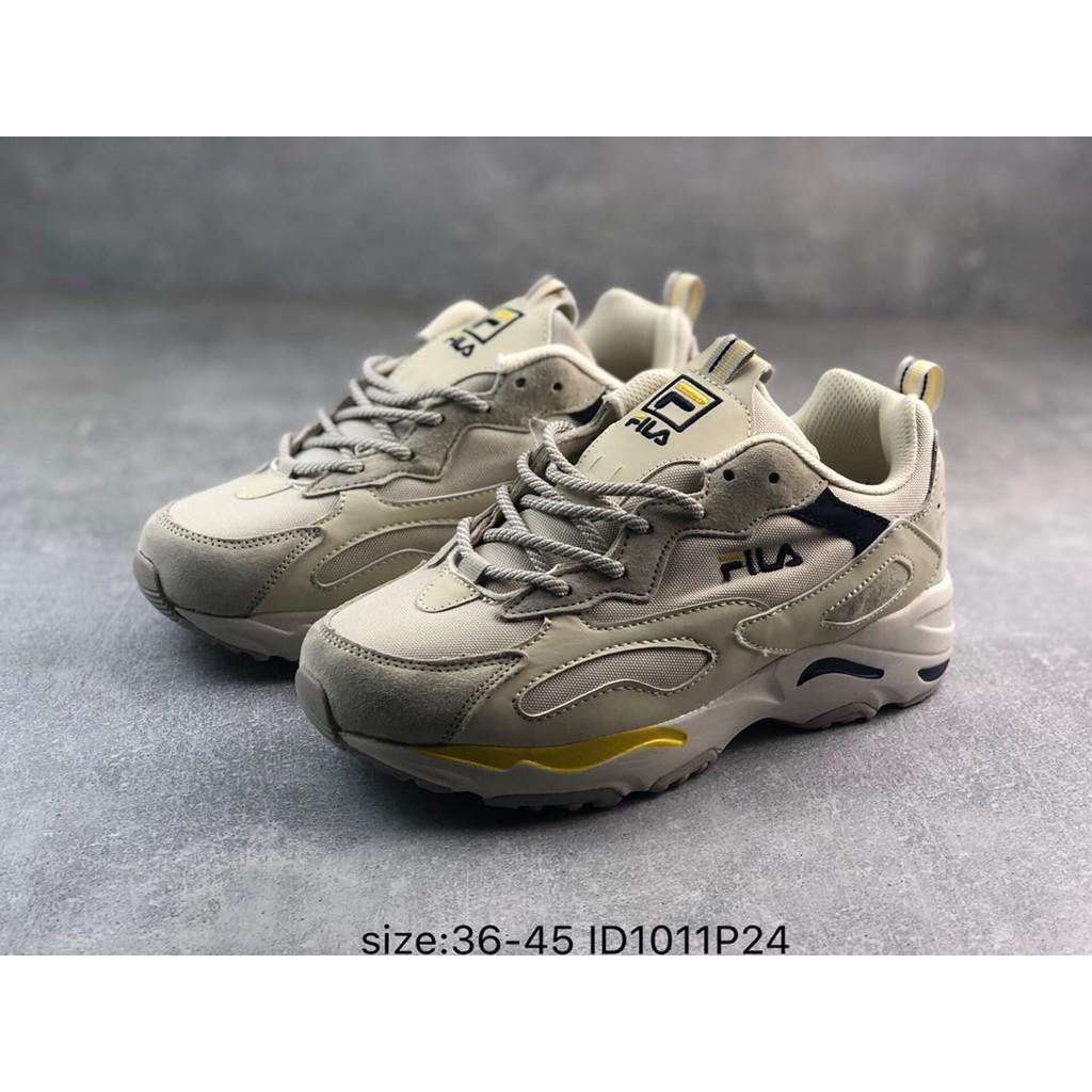 FILA Fila ผู้ชายและผู้หญิงรองเท้าวิ่งแฟชั่นคู่หนารองเท้าเก่า