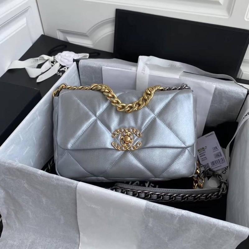 Chanel19 flap bag  Size 26 cm สีเงิน