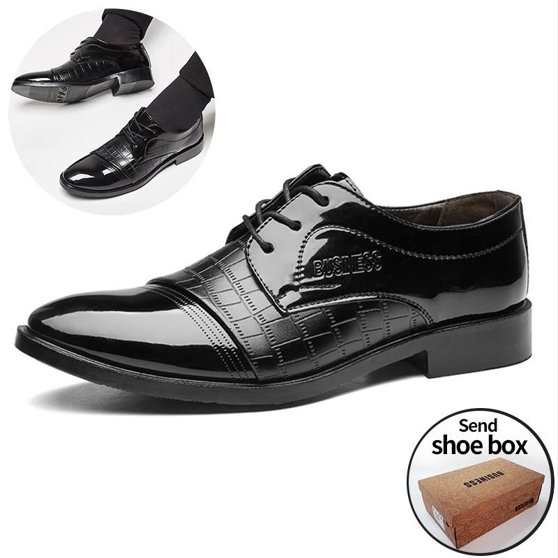 รองเท้าทำงานผู้ชาย แบบผูกเชือก สีดำแฟชั่นลำลองชี้รองเท้าหนังผู้ชายอย่างเป็นทางการ รองเท้าหนังจระเข้