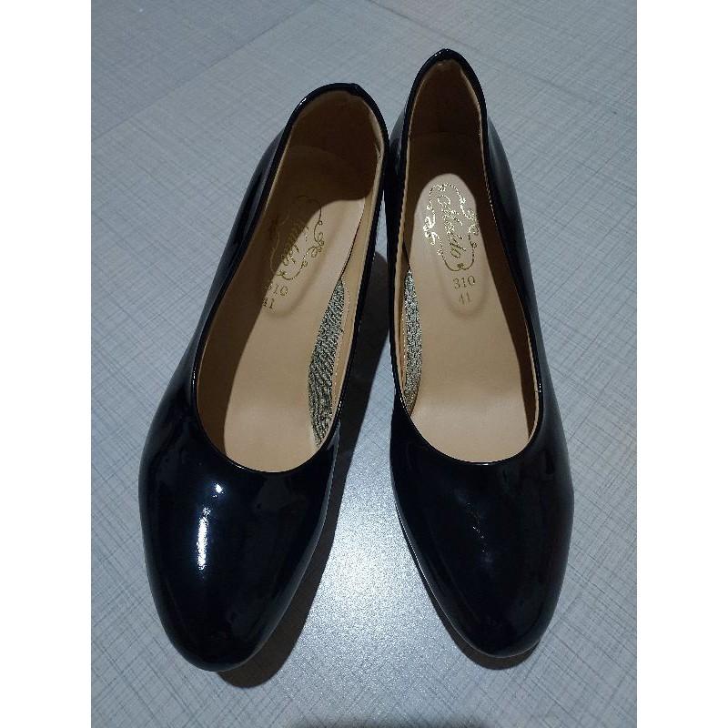 รองเท้าคัชชู หนังแก้วสีดำ