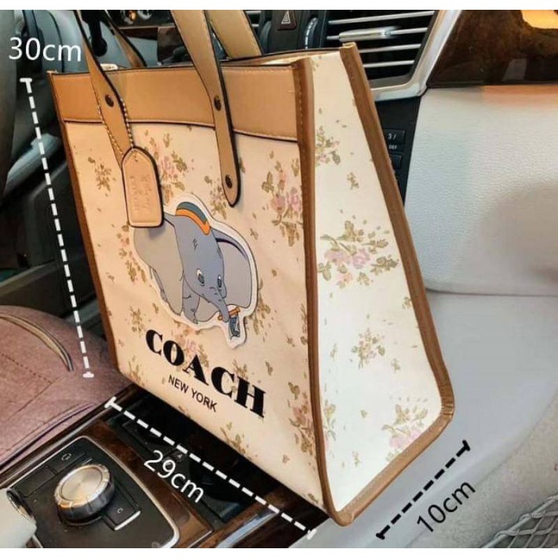 พร้อมส่ง !! กระเป๋า Coach Dumbo รุ่นใหม่ล่าสุด ผ้าแคนวาส งานเนียบสวย 320฿ คุ้มมากกับราคา