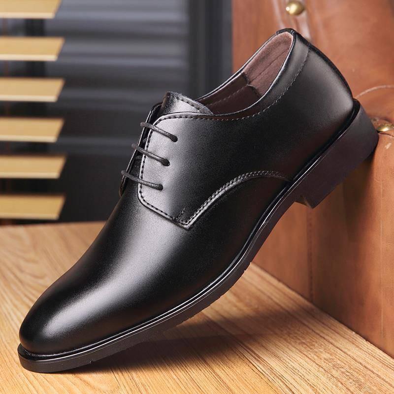 รองเท้าคัชชูผู้ชาย รองเท้าชาย ฤดูใบไม้ร่วงใหม่รองเท้าหนังผู้ชายธุรกิจชุดอังกฤษชี้สีดำเกาหลีสบาย ๆ เยาวชนระบายอากาศผู้ชาย