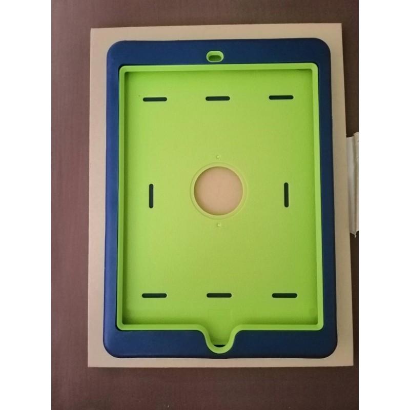 """iPad case (gen5 2017 9.7""""). มือสอง"""