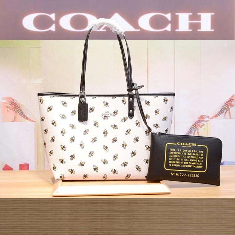 Coach F25820กระเป๋าถือผู้หญิง กระเป๋าผ้า กระเป๋าถือ ผู้หญิง  coach กระเป๋าซิปคล้องมือ