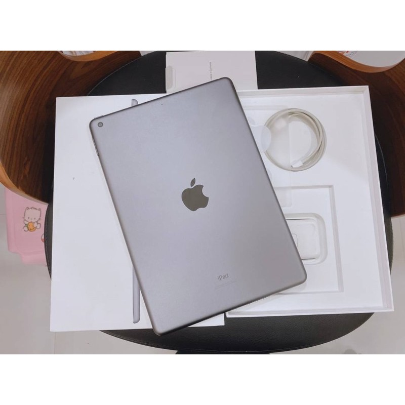 #MF3M iPad Gen 7 (32gb) Wi-Fi อย่างเดียว โมเดลไทย TH🇹🇭 ประกันศูนย์เหลือ สภาพสวยครบกล่อง การใช้งานปกติทุกอย่าง📱