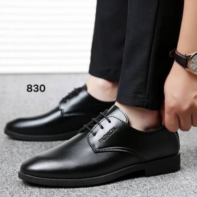 รองเท้าคัชชูหนังสำหรับผู้ชาย