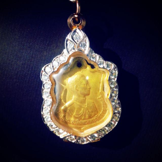 จี้พระเหรียญ ร.9 ครบ3รอบ เนื้อทองคำ เลี่ยมทอง70 เพรชเกรดb  ราคาไม่แพงมาก