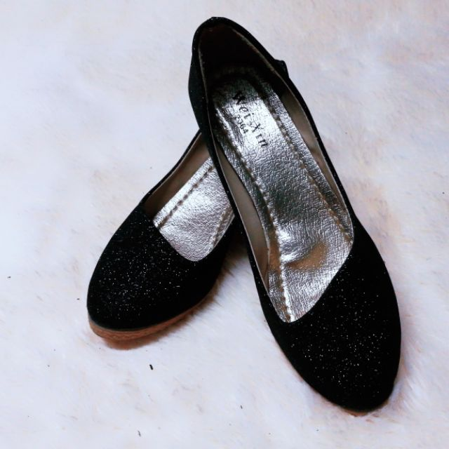 รองเท้าคัชชู หุ้มส้น สีดำ เบอร์ 39