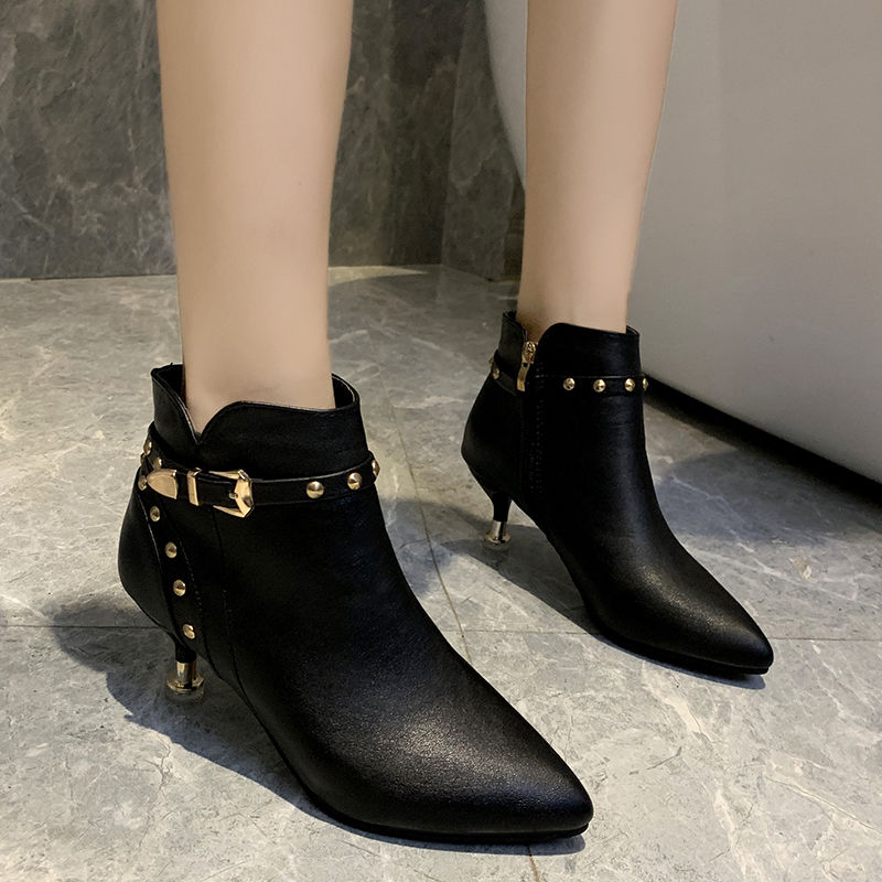 รองเท้าคัชชูหัวแหลม 2020ฤดูใบไม้ร่วงและฤดูหนาวใหม่ชี้รองเท้าผู้หญิงกริชแฟชั่นหมุดรองเท้าส้นสูงหนังนิ่มสีดำบวกกำมะหยี่รอง