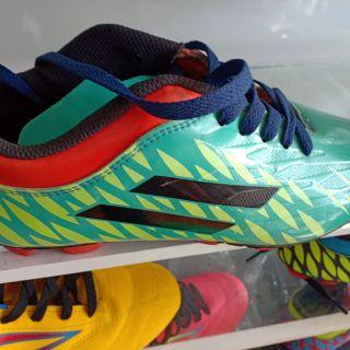 รองเท้าฟุตบอลสตั๊ดเขียวเคลือบแก้ว39-43