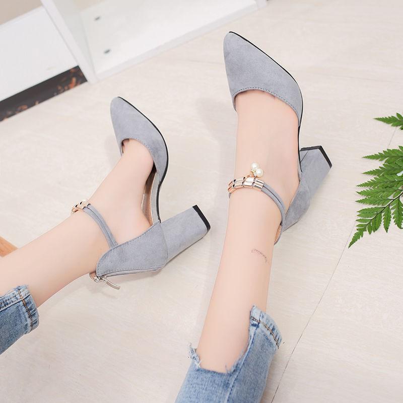 มีในสต็อก รองเท้าหัวแหลมแบบหัวแหลม รองเท้าส้นสูงส้นหนาสตรี รองเท้าคัชชู รองเท้าผู้หญิง