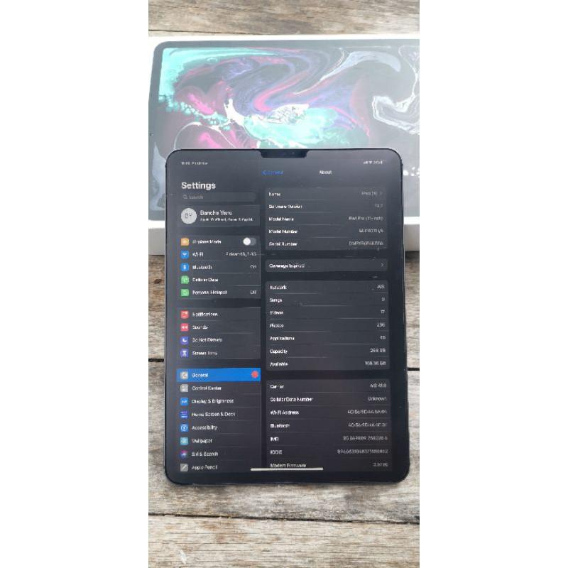 Ipad pro 11 นิ้ว 2018  256 GB WiFi+Cellular มือสอง ปกติทุอย่าง
