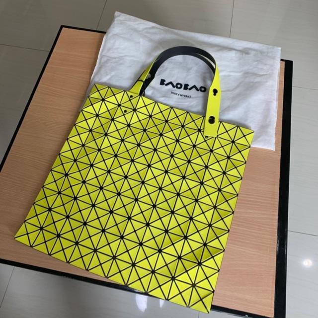 กระเป๋าBaoBao  Issey Miyake  10*10แท้100% มือสอง