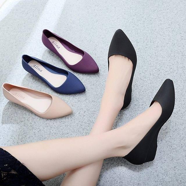 รองเท้าคัชชูหัวแหลม รองเท้ายางนิ่ม รองเท้ารัดส้น ส้นเตารีด สีพื้น พื้นนิ่ม ใส่สบาย