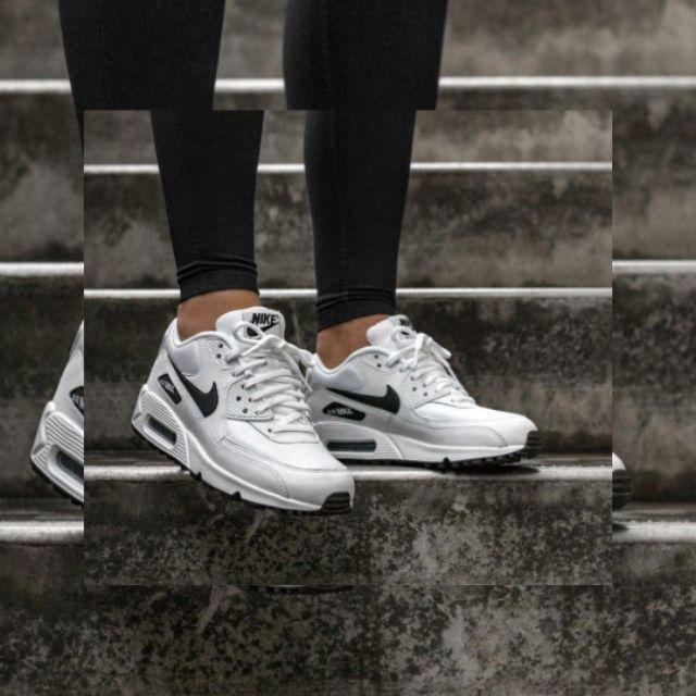 Nikeมือสอง สภาพดีมาก nike air max 90 white black logo