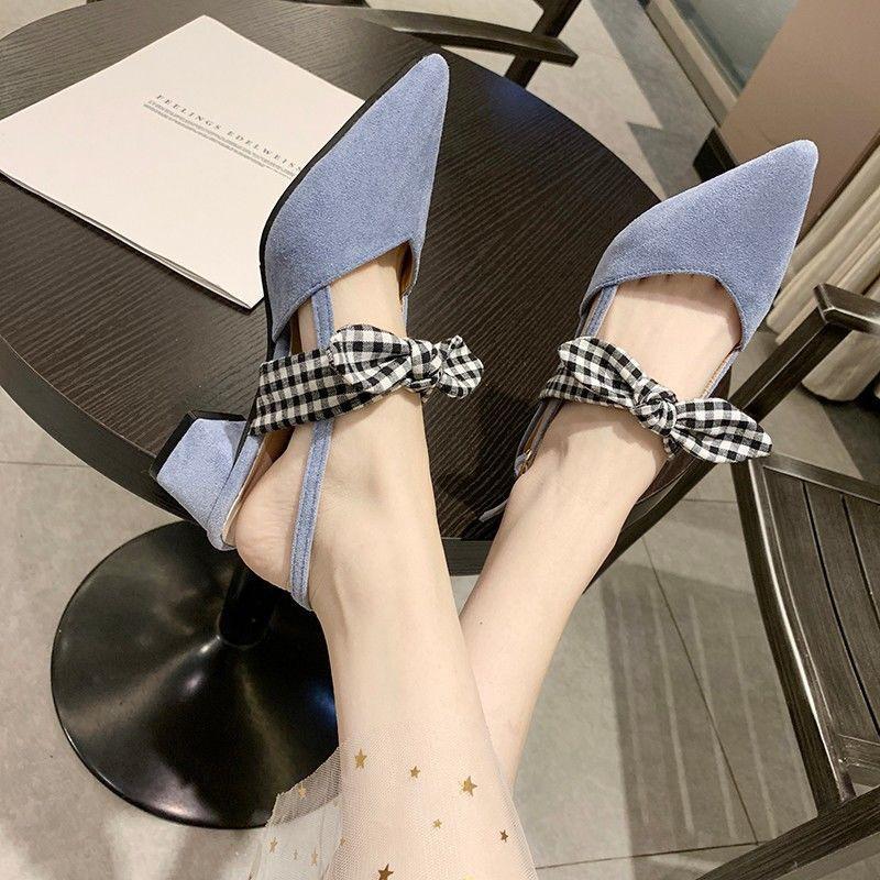 รองเท้าคัชชูหัวแหลมผู้หญิงส้นหนาพร้อมโบว์